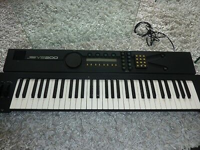 Yamaha YS200 Synthesizer, MIDI, FM, TOP