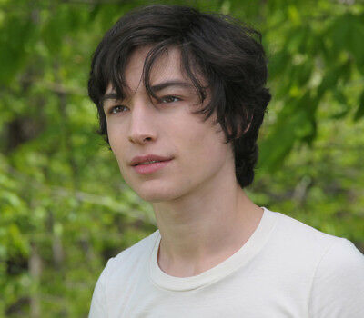 We Need to Talk About Kevin UNSIGNED photo - L9027 - Ezra Miller - NEW IMAGE
