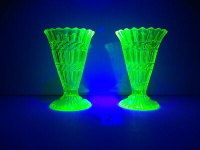 PAIR OF ANTIQUE c1880 HENRY GREENER GREEN URANIUM / VASELINE GLASS TRUMPET VASES