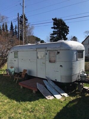 Vintage 1949 (1950?) Vagabond 19 Travel Trailer