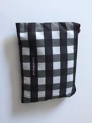 Country Road Qantas Amenity Kit