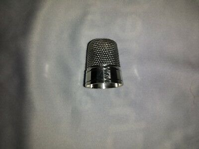 Antique-Simons-Brothers-Sterling-Silver-Size-11-Sewing-Thimble