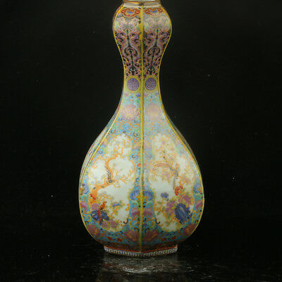 Chinese Enamel Porcelain Hand Painted  Vase Made During The Kangxi Period  RF015