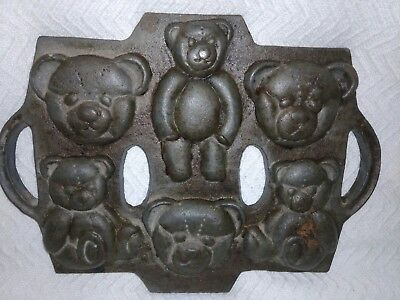 Cast Iron Pan Teddy Bear Candy Cookie Baking Mold Wall hanging Antique