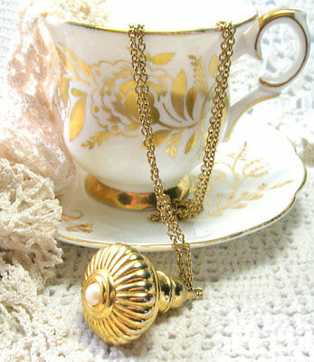 Joan Rivers Vintage Pendant Necklace - Joan Rivers Jewelry - Gold Fob with Pearl