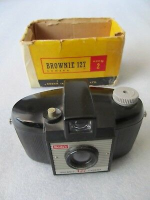 Vintage 1950's Kodak Bakelite Brownie 127 roll film camera, grey knob + box