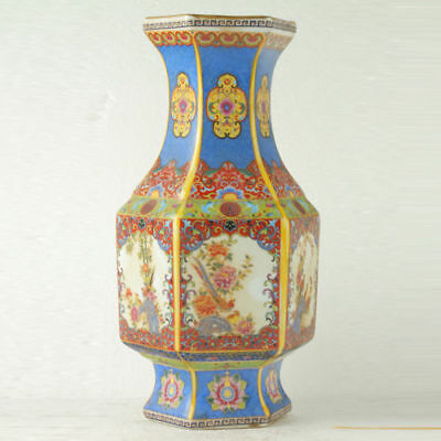 Chinese Enamel Porcelain Hand Painted Hexago Vase During Qing Dynasty QIANLONG