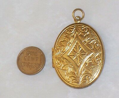 Vintage Large OVAL LOCKET Double two picture Goldtone over Brass Pendant