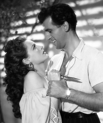 Stewart Granger and Patricia Roc photograph - L9321 - Madonna of the Seven Moons