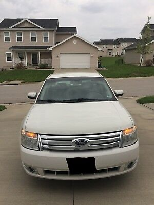 2009 Ford Taurus SE (V6/3.5L) automobile