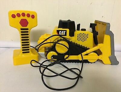 CAT Caterpillar Bulldozer Remote Control Wired Sounds Motorized Noise RC Tractor
