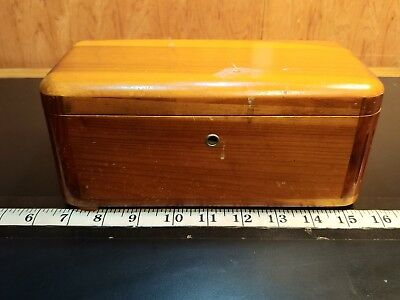 Vintage Miniature Lane Cedar Chest-Feder weatherby Furniture no key, (shelf10)