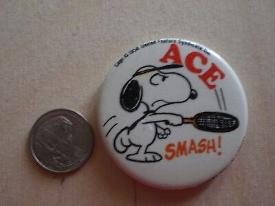 """Vintage 1958 """"peanuts Snoopy Tennis Ace Smash"""" Pin Back Button Nice Condition"""