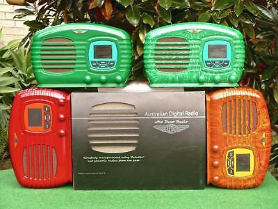 The Fantastic ! ALL NEW ! Retro Vintage Style BAKELITE Australian Digital Radio