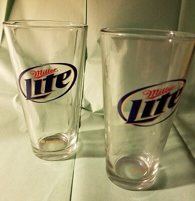 2 20oz miller light beer glasses
