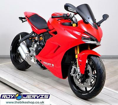 2017 (67) Ducati SUPERSPORT S 937cc Red One Owner ONLY 43 MILES FROM NEW!!