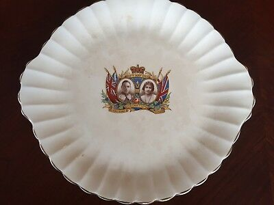 George IV and Elizabeth Coronation collectible plate