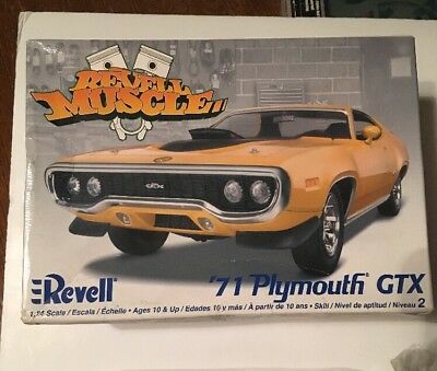 71 Plymouth Gtx Revell Muscle Car Model Kit 1 24 Complete 15 00