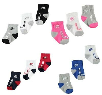 Nike Air Baby Socken Set 3er Pack Anti Rutsch Gummi Noppen 6-12 / 12-24 Monate