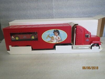 Amoco 2000 Gold Edition Holiday Car Carrier-Very Rare