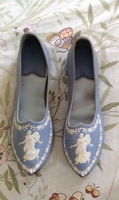 Size 4 Shoes In The Style of Wedgwood