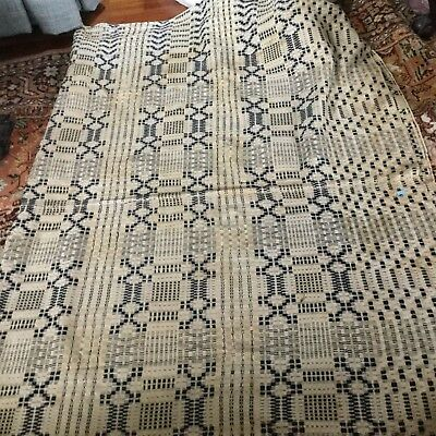 GREAT ANTIQUE PIECE OF OLD HOME SPUN AND GREAT coverlet