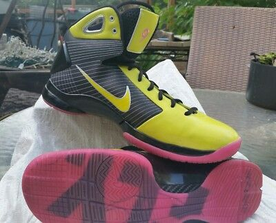 Back and Neon Yellow Nike id hyperdunk size 15 vintage 2009.