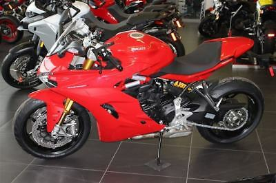 Ducati: Supersport 2017 DUCATI Supersport S Red NEW out of the box full warranty 2 years inlc. road