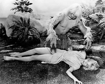 """Yvette Mimieux In The Film """"the Time Machine"""" - 8X10 Publicity Photo (Cc866)"""