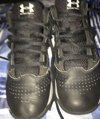 377d5df71f3 basketball shoes under armour kids size 3