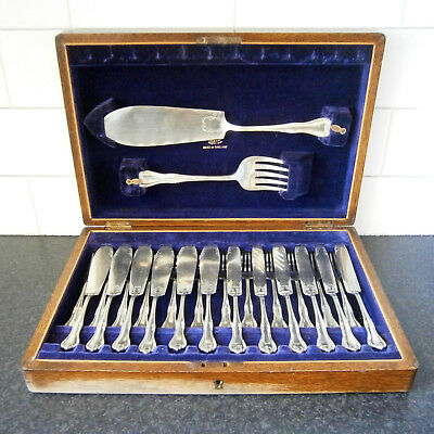 VINTAGE WINGFIELD SHEFFIELD 26 PCE EPNS FISH CUTLERY SET inc. SERVERS in CANTEEN