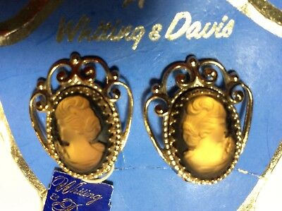 Vtg WHITING & DAVIS brown honey lady figure cameo goldtone Orig. Card & tag