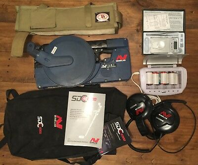 SDC 2300 Gold Detector. Used but great condition Complete little bundle.