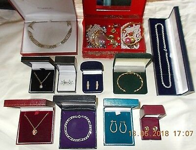 Job Lot of Vintage & Modern Jewellery Inlcuding 9ct Gold & 925 Sterling Silver