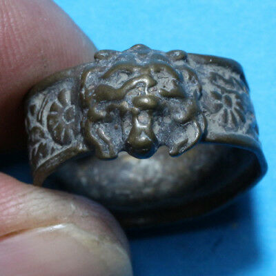 Rare Greek Medieval Bronze Decorated Ring And Lion Face in Bezel