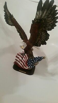 Patriotic Bald Eagle Figurine - Lovely piece Large KATELYN COLLECTION