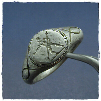 ** SOLDIER with SPEAR ** ancient SILVER  Roman ring !!! LEGIONARY !!!