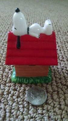 Snoopy on Doghouse trinket box