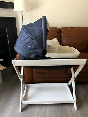 UPPAbaby VISTA/CRUZ Bassinet and stand, NAVY - Great condition - VERY LIGHT USE