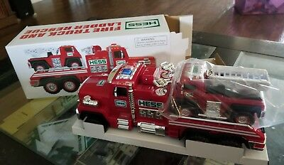 Hess Fire Truck and Ladder Rescue 2015 - NIB