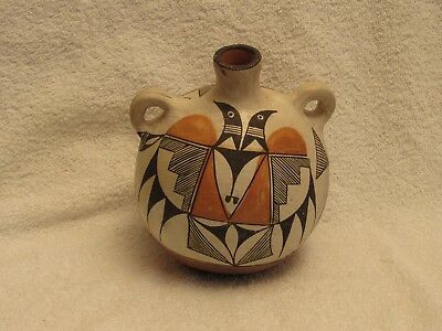 """Beautiful Acoma Canteen, 6.5"""" x 5.25"""" x 5.25"""", Nice condition."""