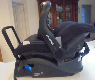 Britax Baby Capsule and Base all attachments, cover and Instruction Manual