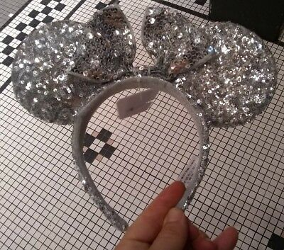 Disney Parks Minnie Mouse Silver Bow Sequins Ear Headband NEW AUTHENTIC EARS