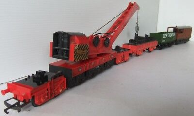 HORNBY RAILWAYS red Breakdown Crane and support vehicles                  [7681]