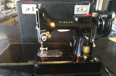 Vintage Cased Featherweight Singer sewing machine Model 222k With Accessories