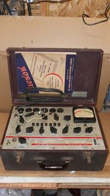 Vintage Hickok Model 600 Dynamic Mutual Conductance Tube Tester With Manual