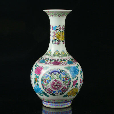 China Porcelain Hand-Painted Flower Pattern  Vase Mark As The Qianlong Period