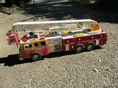 Tonka Hasbro fire rescue truck ,battery operated ''not working '' # 03473