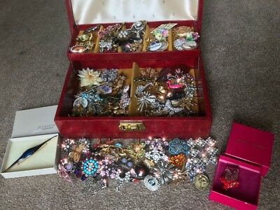 Vintage Jewellery Job Lot Collection of 119 Brooches Antique Modern Art Deco
