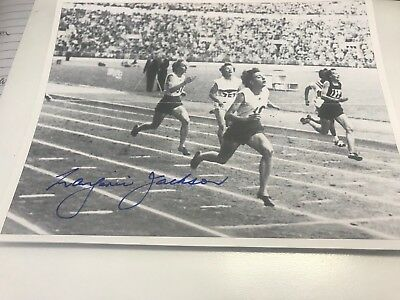 Marjorie Jackson Hand Signed 8 X6 Inch Black & White Photo 2 Time Olympic Gold